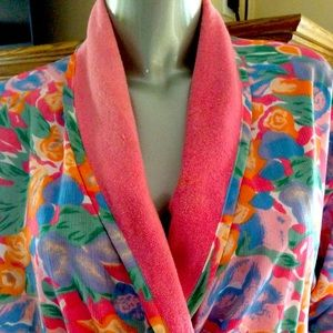 Victoria's Secret Beautiful Floral Lined Robe O/S